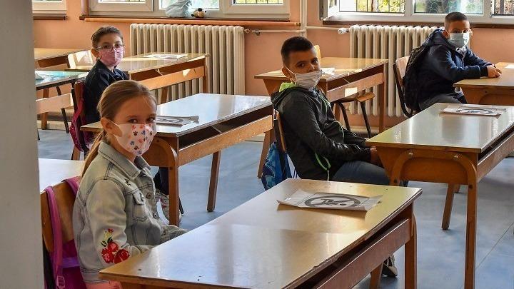 Μάσκα, μαθητές, κορονοϊός