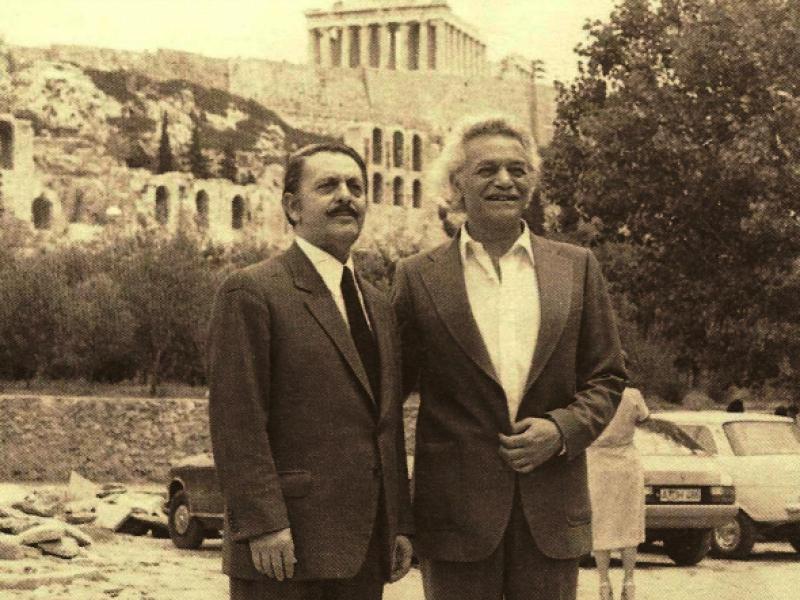 30 Μαΐου 1941: Οι Μανώλης Γλέζος και Λάκης Σάντας κατεβάζουν τη ...