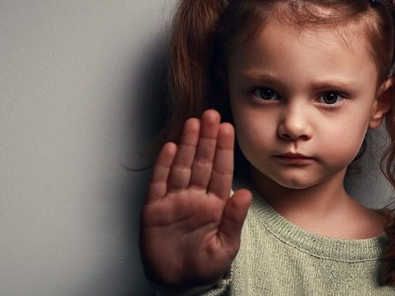 Ελβετία: Οι παιδεραστές δεν θα μπορούν να εργαστούν σε θέσεις όπου θα έρχονται σε επαφή με ανήλικους | Alfavita