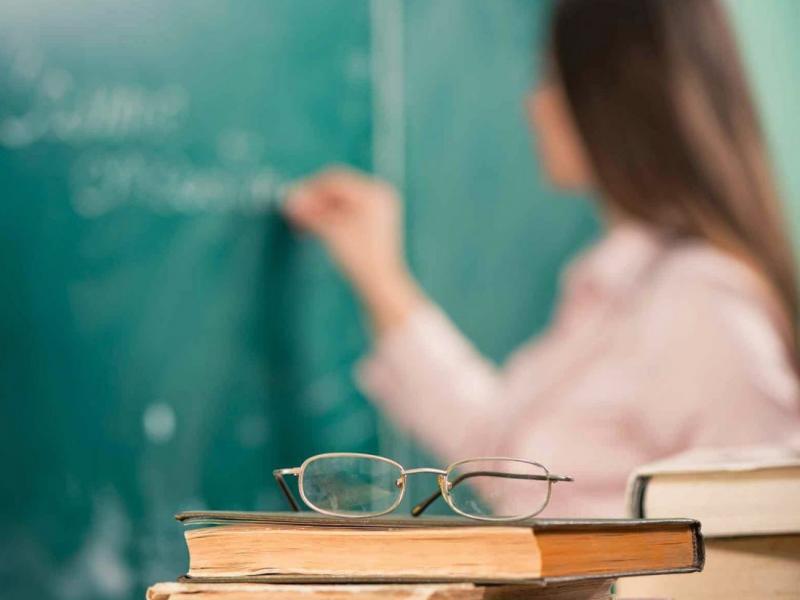 Ανεμβολίαστοι εκπαιδευτικοί: Πώς θα εισέρχονται στις τάξεις (ΦΕΚ)