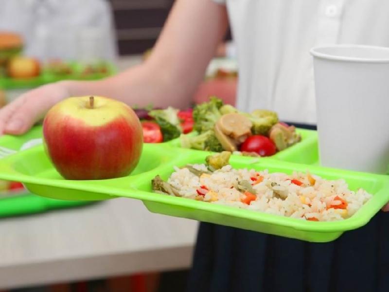 Σχολικά γεύματα: Επέκταση του προγράμματος σε 136 σχολεία (Λίστα)