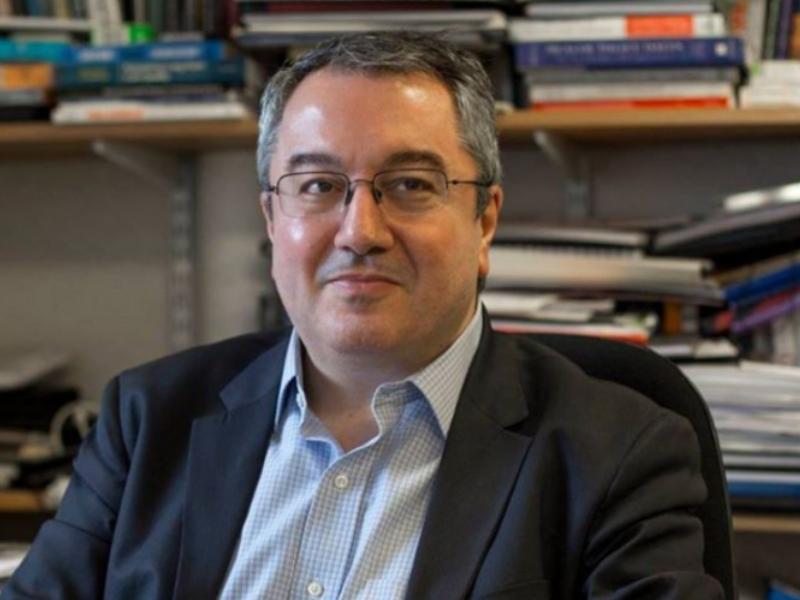 Η. Μόσιαλος: Αυτές είναι οι προϋποθέσεις άρσης των μέτρων ενάντια στον κορονοϊό