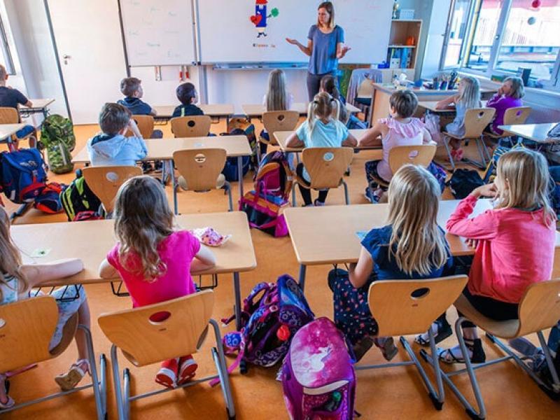 Οι λοιμωξιολόγοι αποφάσισαν: Τα σχολεία θα επαναλειτουργήσουν σε πλήρη σύνθεση (με μάσκες για τους μαθητές) και αυξημένα μέτρα προστασίας