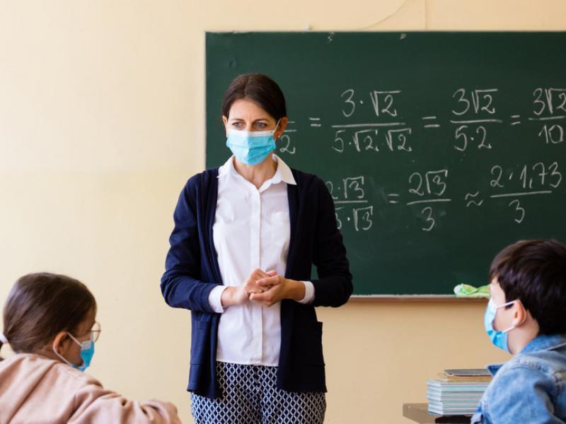 Πάνω από το 27% των εκπαιδευτικών με ελαστικές σχέσεις εργασίας χωρίς δικαιώματα