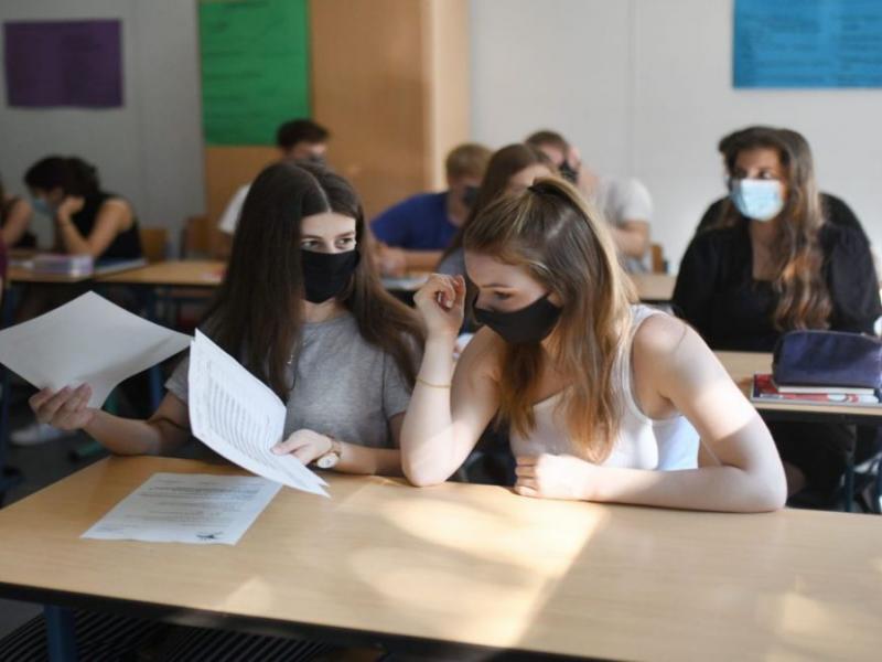 Σχολεία: Τι ισχύει με τα self test και τις Πανελλήνιες εξετάσεις
