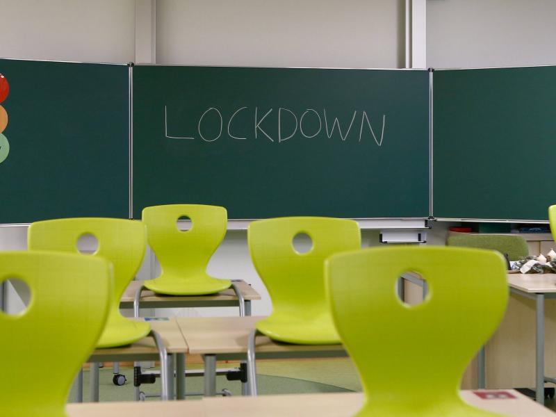 Σχολεία-Lockdown: Οι περιοχές όπου δεν θα λειτουργούν από αύριο