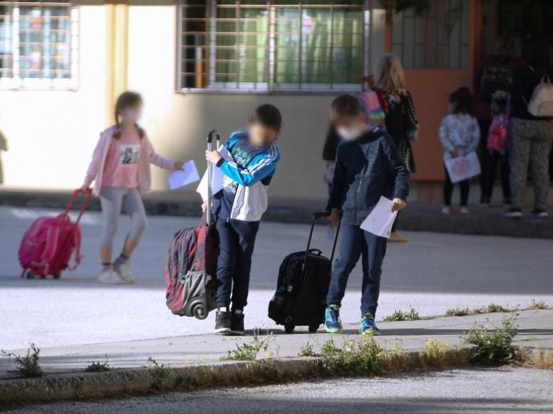 Εκπαιδευτικοί-κορονοϊός: Αδιαφορία του υπ. Παιδείας για τα σχολεία