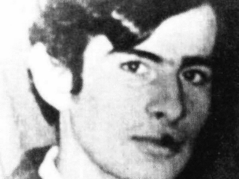 18 Νοεμβρίου 1973, δολοφονείται απο τον Ντερτιλή έξω από το Πολυτεχνείο ο  20χρονος Μιχάλης Μυρογιάννης. Η επιστολή της μητέρας του Μυρογιάννη το 1983  | Alfavita