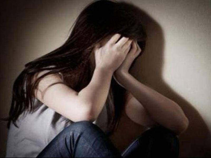 Σεξουαλική παρενόχληση: Δάσκαλος έστελνε ερωτικά μηνύματα σε μαθήτριές του