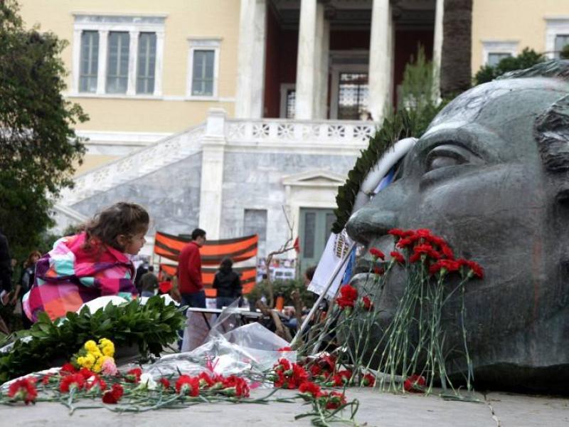 Πολυτεχνείο: Να ανοίξει ο χώρος του μνημείου ζητούν δύο σύλλογοι φοιτητών του ΑΠΘ