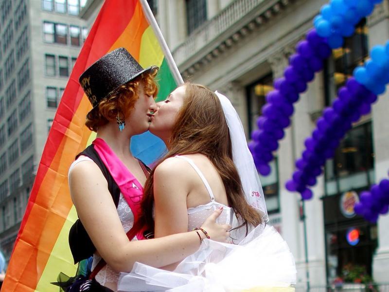 Γκέι σεξ μπροστά στις γυναίκες