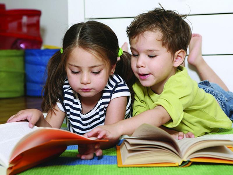 Ποια είναι η κατάλληλη ηλικία για ανάγνωση βιβλίων στα παιδιά  abb4fcd6811