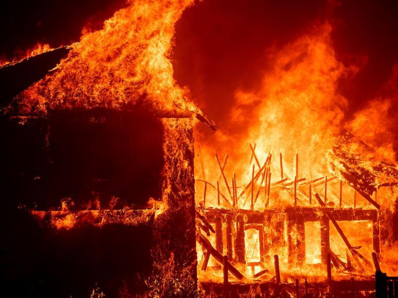 Καλιφόρνια  Σε 3 βδομάδες θα σβήσει η φωτιά  Τι λέγεται για τα αίτια 24207ba2147
