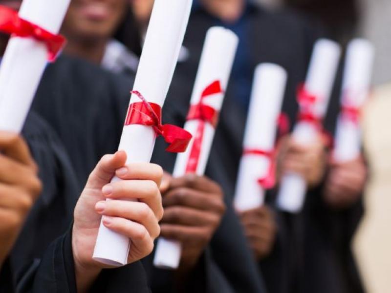 Φοιτητές καταγγέλλουν: Ο ΔΟΑΤΑΠ εφαρμόζει ακόμα την παράνομη απόφαση για τις εξ αποστάσεως σπουδές