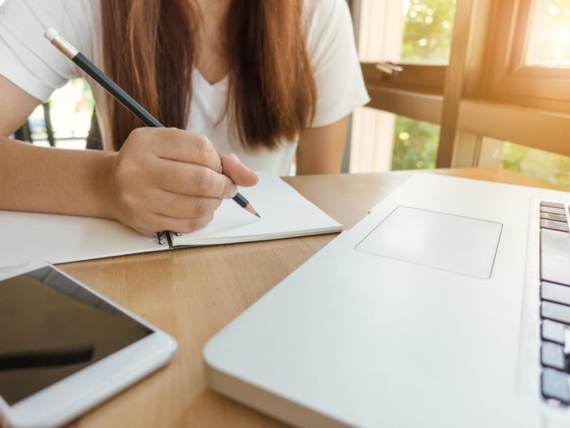 Εκπαιδευτικοί: Προβλήματα στην εφαρμογή της τηλεκπαίδευσης αναφέρει η Α΄ΕΛΜΕ Αχαΐας