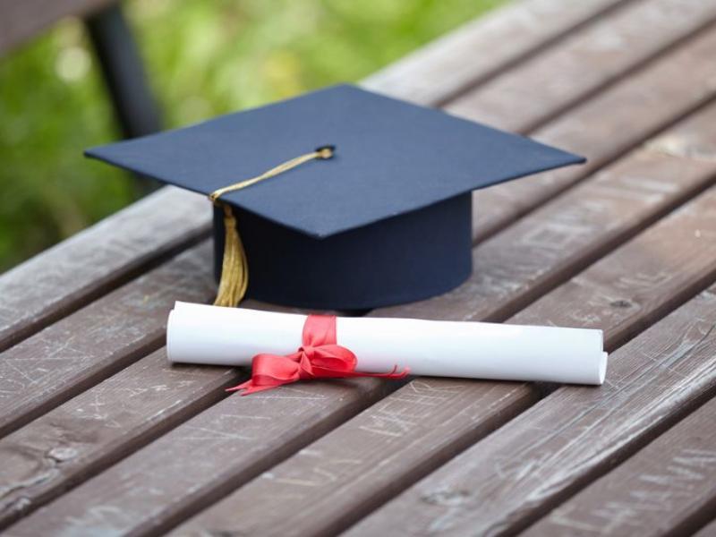 Διαγωνισμοί ΑΣΕΠ: Παράνομους τίτλους σπουδών καταγγέλλει η ΟΙΕΛΕ