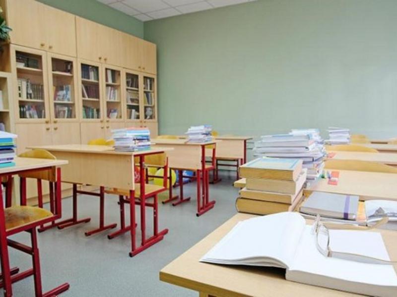 Κενά εκπαιδευτικών: Μαθητές στη Δραπετσώνα δεν διδάσκονται μαθήματα για τις Πανελλαδικές
