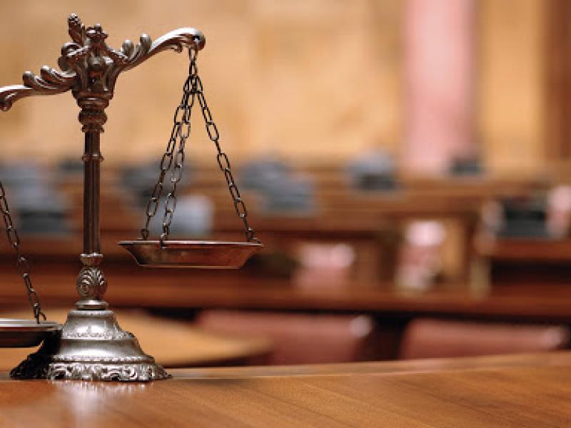 Σε δίκη εννέα καθηγητές επειδή έβγαλαν ψήφισμα συμπαράστασης σε απολυμένη υπάλληλο
