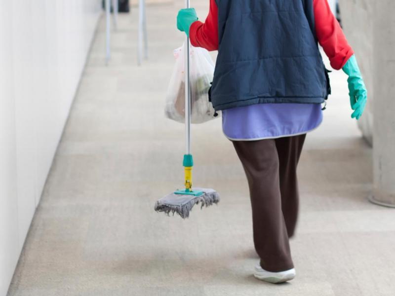 Πειραματικό Σχολείο Πανεπιστημίου Αθηνών: Μία καθαρίστρια για 264 μαθητές