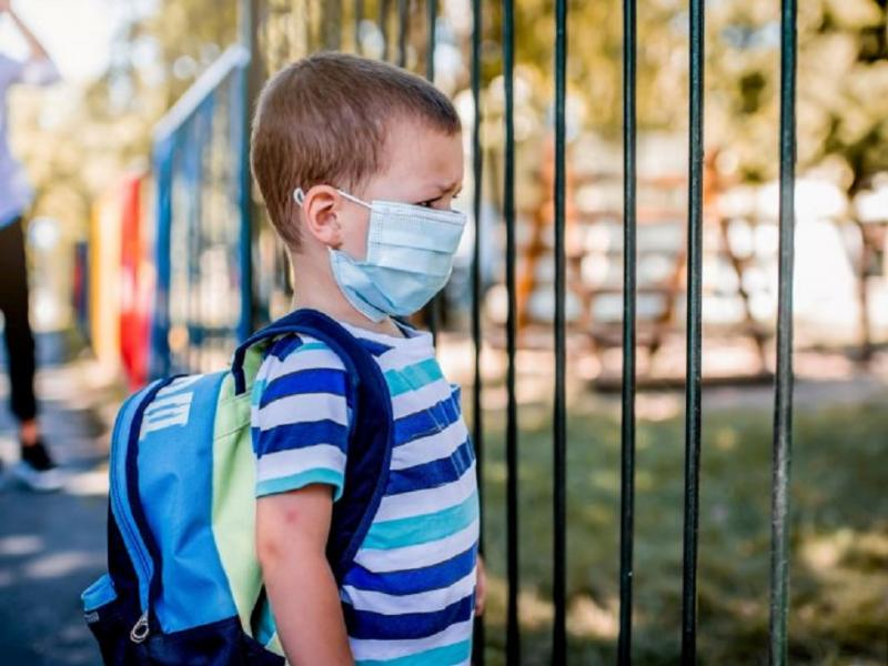 Εκπαιδευτικοί: Πέρα από κάθε έλεγχο η πανδημία στην χώρα