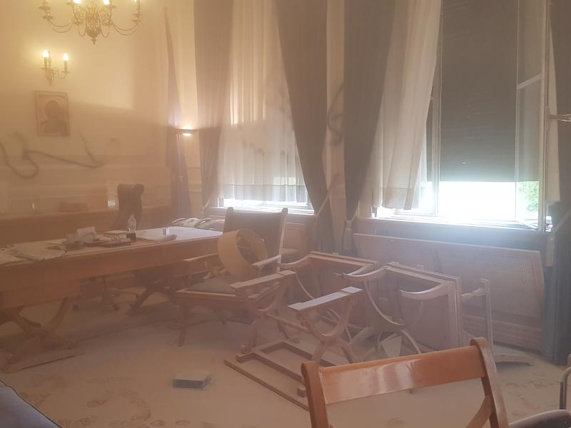 Οικονομικό Πανεπιστήμιο: Καταγγελία Πρύτανη για εισβολή, καταστροφές και άσκηση βίας εναντίον του