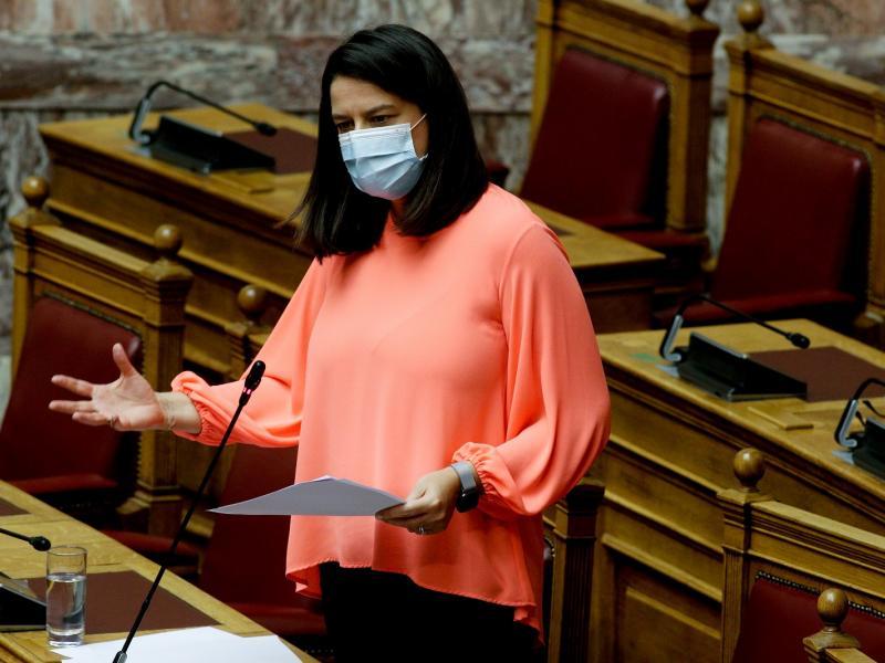 Θετική στον κορονοϊό η Ν. Κεραμέως - Rapid test σε όλες τις επαφές της υπουργού