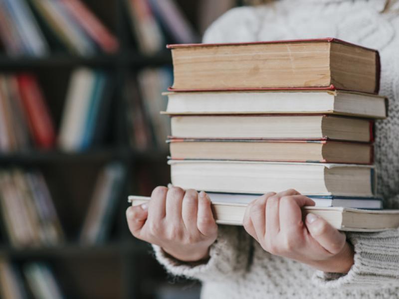 ΑΕΙ: Καθυστερήσεις στην παράδοση των συγγραμμάτων