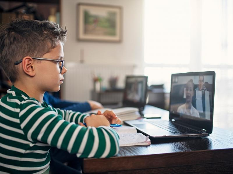 «Καταστροφή» η τηλεκπαίδευση: Μαθητές εμφανίζουν έως και κατάθλιψη