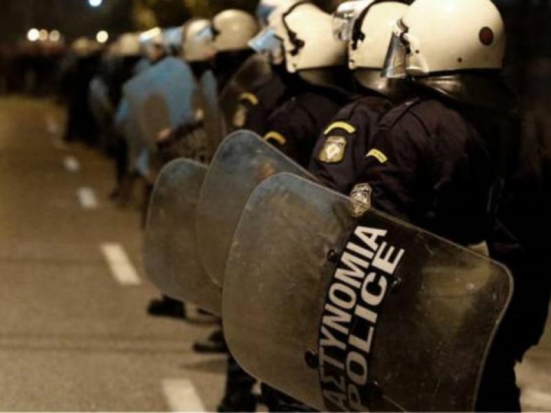Πολυτεχνείο – Εκπαιδευτικοί Πέλλας για αστυνομική βία: «Ήταν τέτοια η μανία τους, που χτύπησαν αγωνιστές του Πολυτεχνείου»
