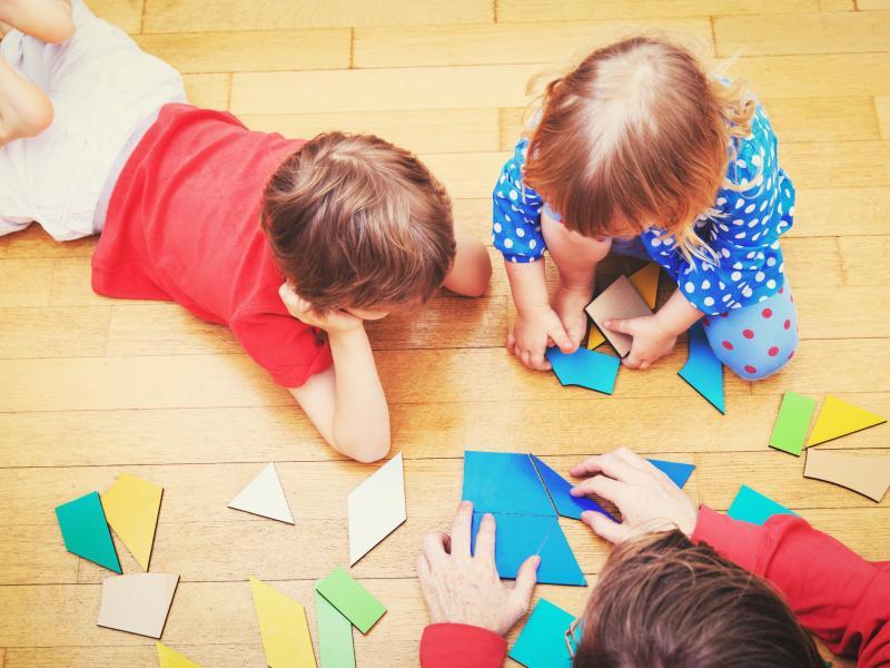 Εκτός Κέντρων Δημιουργικής Απασχόλησης κινδυνεύουν να μείνουν 65.000 παιδιά