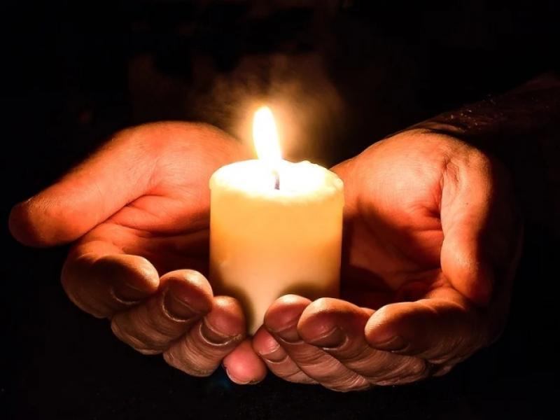 keri xeria κερί φλόγα χέρια, θάνατος