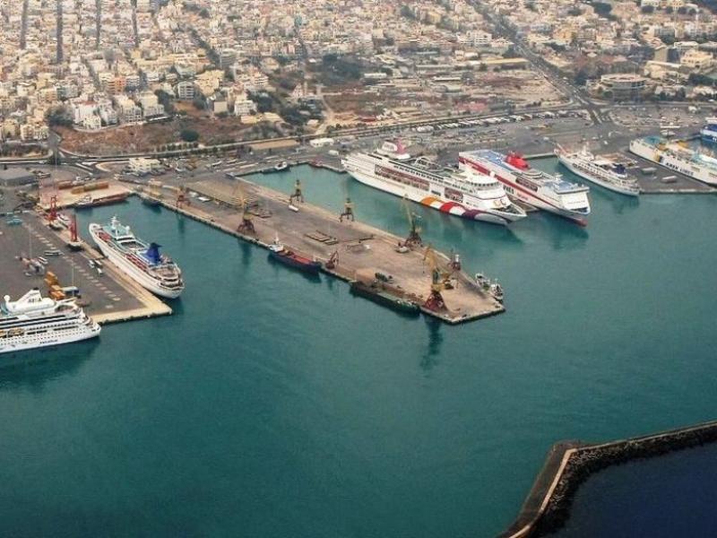 Προσέκρουσε στο λιμάνι του Ηρακλείου το «Φαιστός Παλάς» dc8dc394798