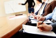 «Τριμηνίτες» εκπαιδευτικοί: Προσλήψεις για κάλυψη μόνιμων κενών και όχι για την πανδημία
