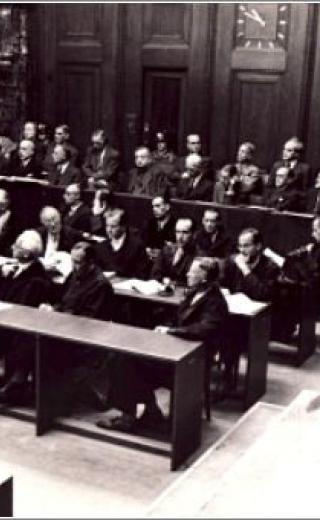 dock_in_the_i.g._farben_trial_in_nuremberg.jpg