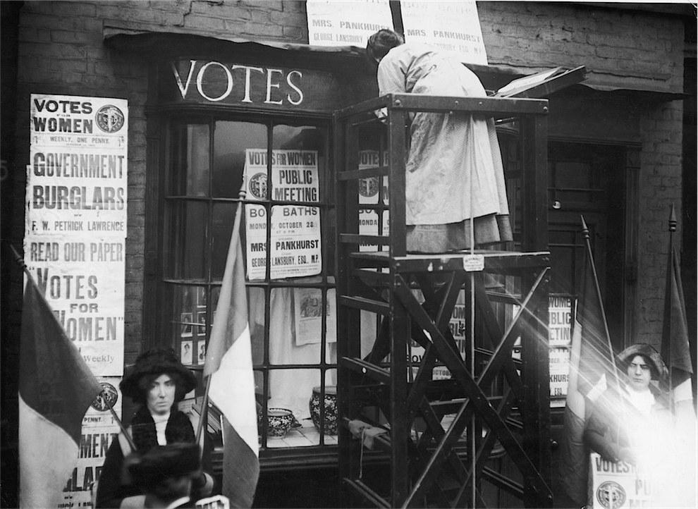 Οι τριαντάχρονες Αγγλίδες ψηφίζουν πια.