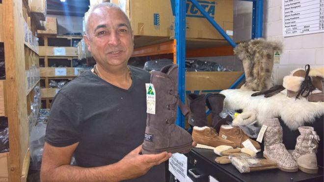 07db02a958b Ειδικότερα, η επιχείρηση είναι αποφασισμένη να εμποδίσει τους Αυστραλούς  κατασκευαστές να πωλούν τις μπότες σε όλο τον κόσμο και μηνύει τον  ιδιοκτήτη της ...